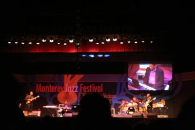 Monterey011